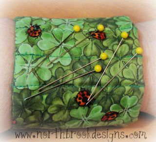 Magnetic pin cushion tutorial by Romona King