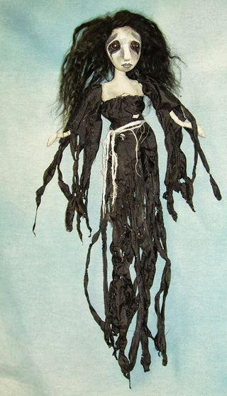 Halloween doll goulianne