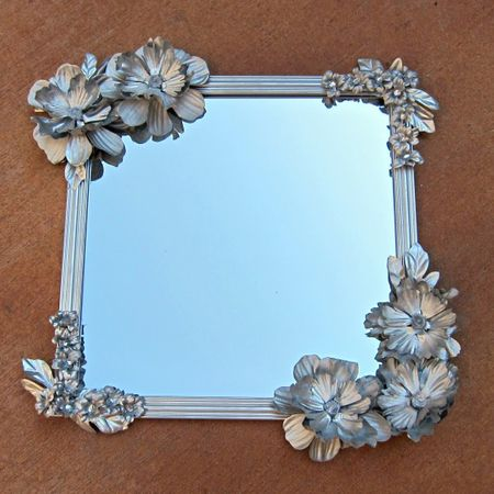 Flowered-Mirror-DIY-580x580