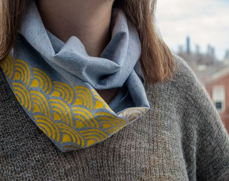 Stencil-an-infinity-scarf-using-recycled-t-shirts