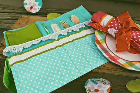 Summer sewing picnic caddy tutorial
