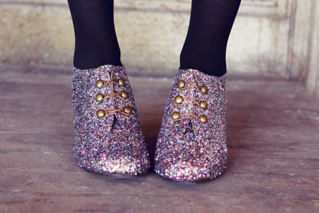 Shoe makeover with glitter